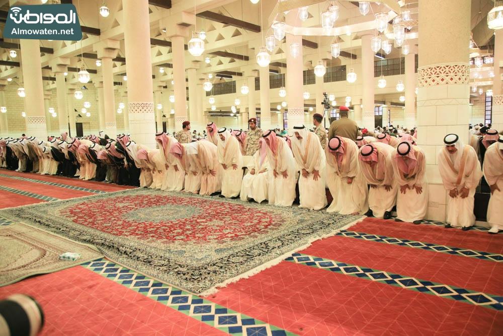 صلاة العيد في جامع الإمام تركي (4)