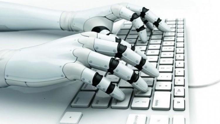 """صنع أول روبوت صحفي.. كتب مقالًا في """"ثانية"""""""