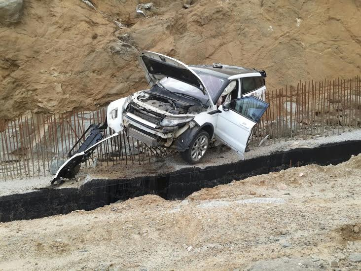 صورة تكلف مواطن تلف سيارتة بمحافظة النماص2