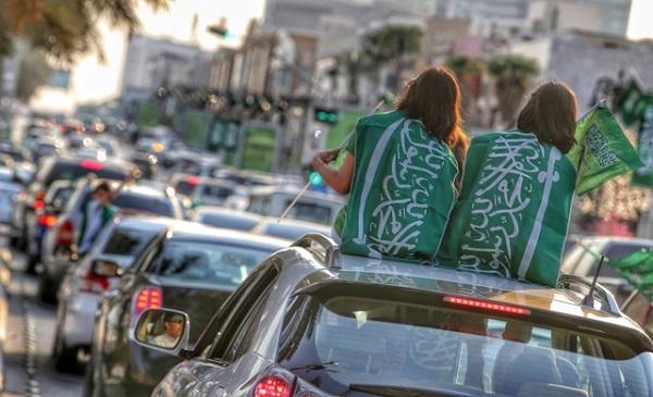 عدسة المصور محمد مشهور ترصد مظاهر الفرح باليوم الوطني