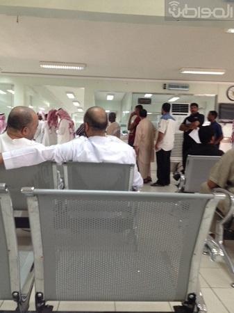 مراجعو مرور الناصرية يطالبون بسرعة إنجاز معاملاتهم - المواطن