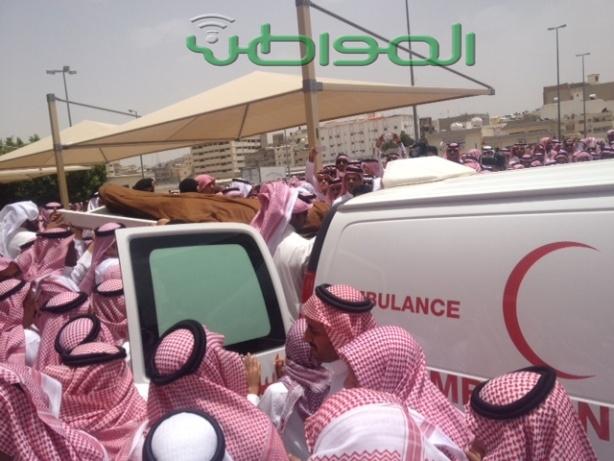 بالصور .. جموع غفيرة تشيع العريف الثبيتي في الطائف - المواطن