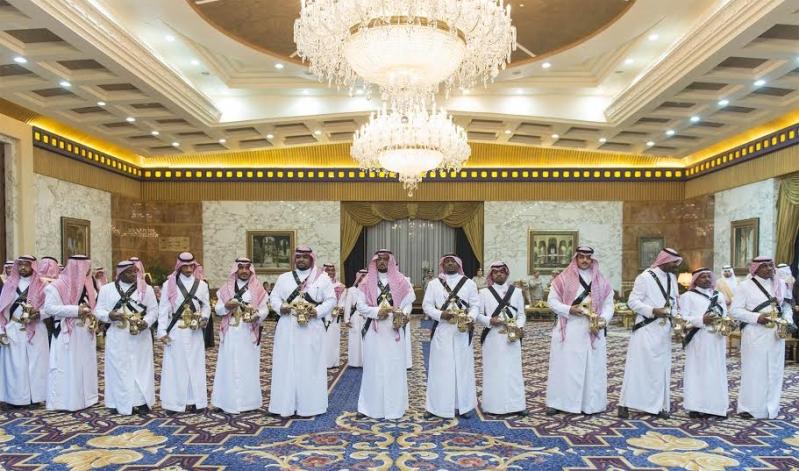 صور استقبال خادم الحرمين الشريفين لرئيس وزراء ماليزيا10