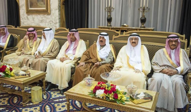 صور استقبال خادم الحرمين الشريفين لرئيس وزراء ماليزيا7