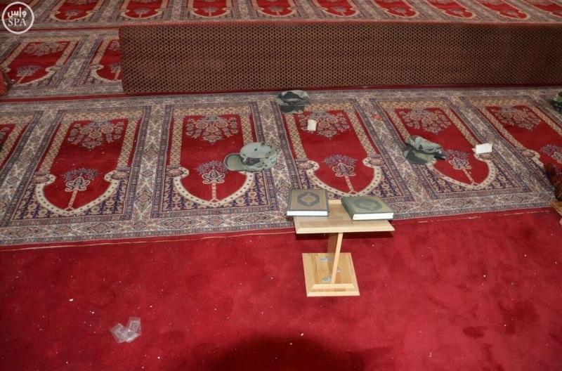 صور-الاعتداء-الإرهابي-بمسجد-الطوارئ (1)