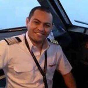 صور طاقم الطائرة المفقودة1