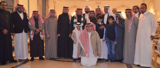 صور من عشاء آل أبو ملحة للأهلاويين (4)