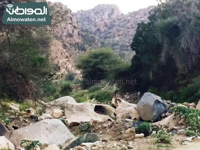 صور وادي ذي غزال بمنطقة الشفاء بمحافظة الطائف ألتقطتها صحيفة المواطن وتضمن عدد كبير من السياح بالمملكة العربية السعودية (10)