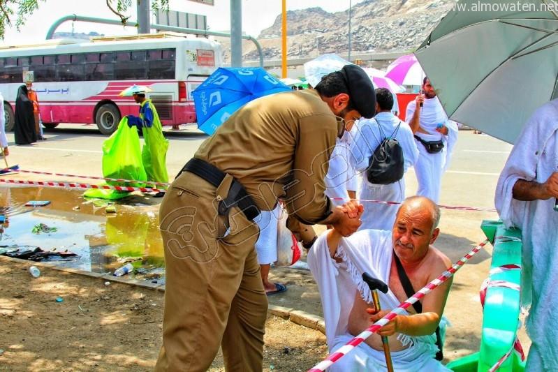 ضابط-يساعد-حاج