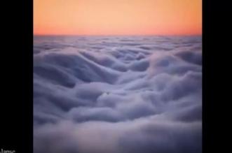 فيديو مثير.. تصوير جوي يظهر موجات الضباب فوق كاليفورنيا - المواطن