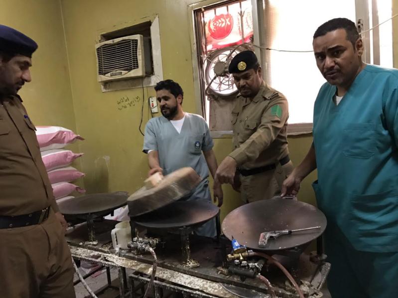 الإطاحة بعمال استخدموا شقةً سكنية لتصنيع الخبز في #الرياض
