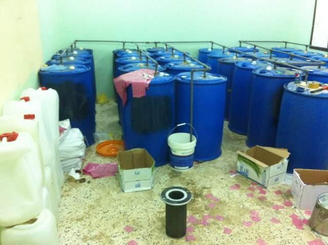 ضبط عمالة وافدة تدير مصنعًا لإعداد الخمور بالنعيرية (2)