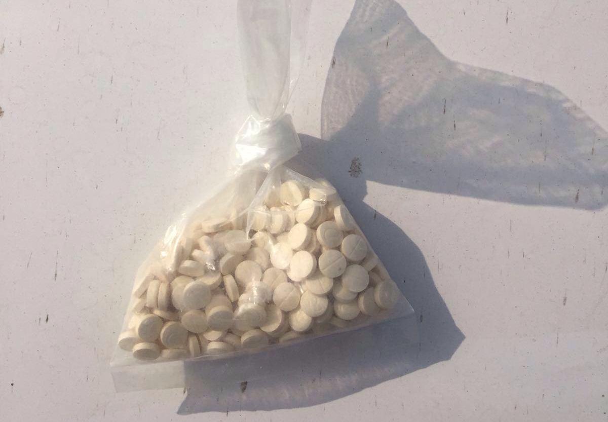 ضبط مخدرات وحبوب الكبتاجون بطريق جدة السريع (4)