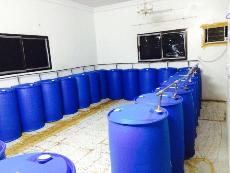 ضبط مصنع خمور (4)