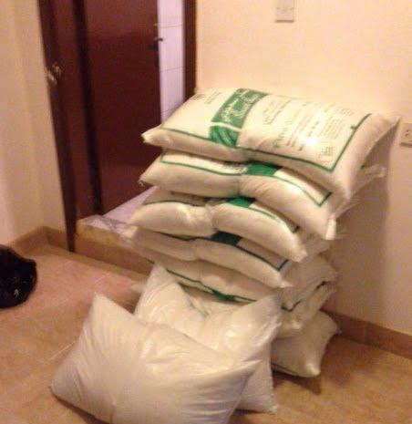 ضبط وكر لتصنيع وتعبئة الخمور وسط الرياض (2)