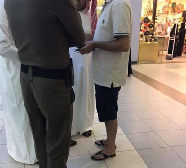 ضبط 50 شاباً ارتدوا ملابس مخالفة (3)