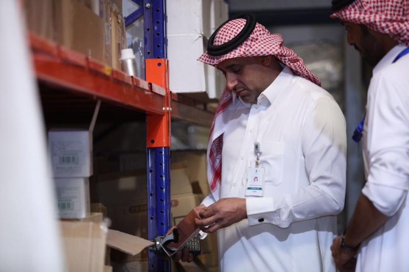ضبط 66 الف عبوة مستحضرات نسائية منتهية الصلاحية