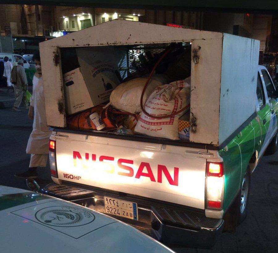 ضبط 840 بائعاً متجولاً وإغلاق 4 مطاعم في مكة (3)