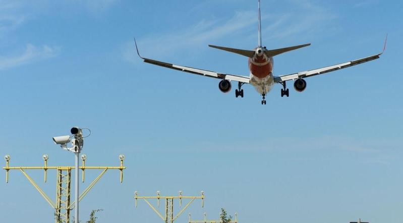 هبوط طائرة-سياحية-روسية-بمنتجع-تركي
