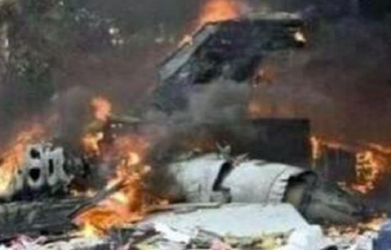 بالصور.. مقتل 12 شخصًا في تحطم طائرة بالكونغو