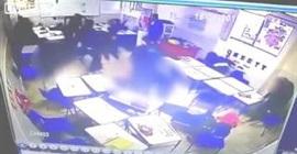 طالب يطلق النار على زملائه