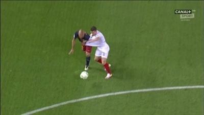 طرد لاعب برشلونة ماسكيرانو1