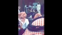 فيديو متداول : ابعاد مواطن حاول إلقاء قصيدة في حفل جامعة بيشة
