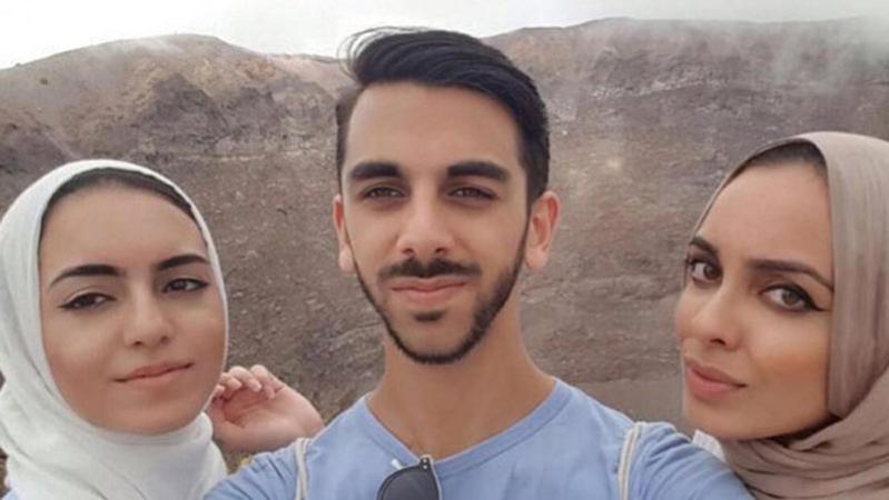 طرد 3 أشقاء مسلمين من طائرة بريطانية