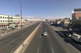 وفاة سائق اصطدمت مركبته بلوحة إرشادية في ظلم - المواطن