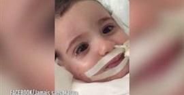 طفلة تفيق من غيبوبة