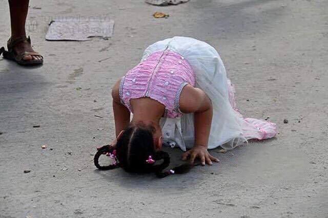 طفلة يمنية - سجود- تحرير تعز- اليمن