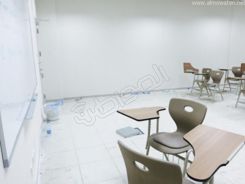طلاب جامعة-الطائف دراسة وسط الأتربة والقاذورات (1)