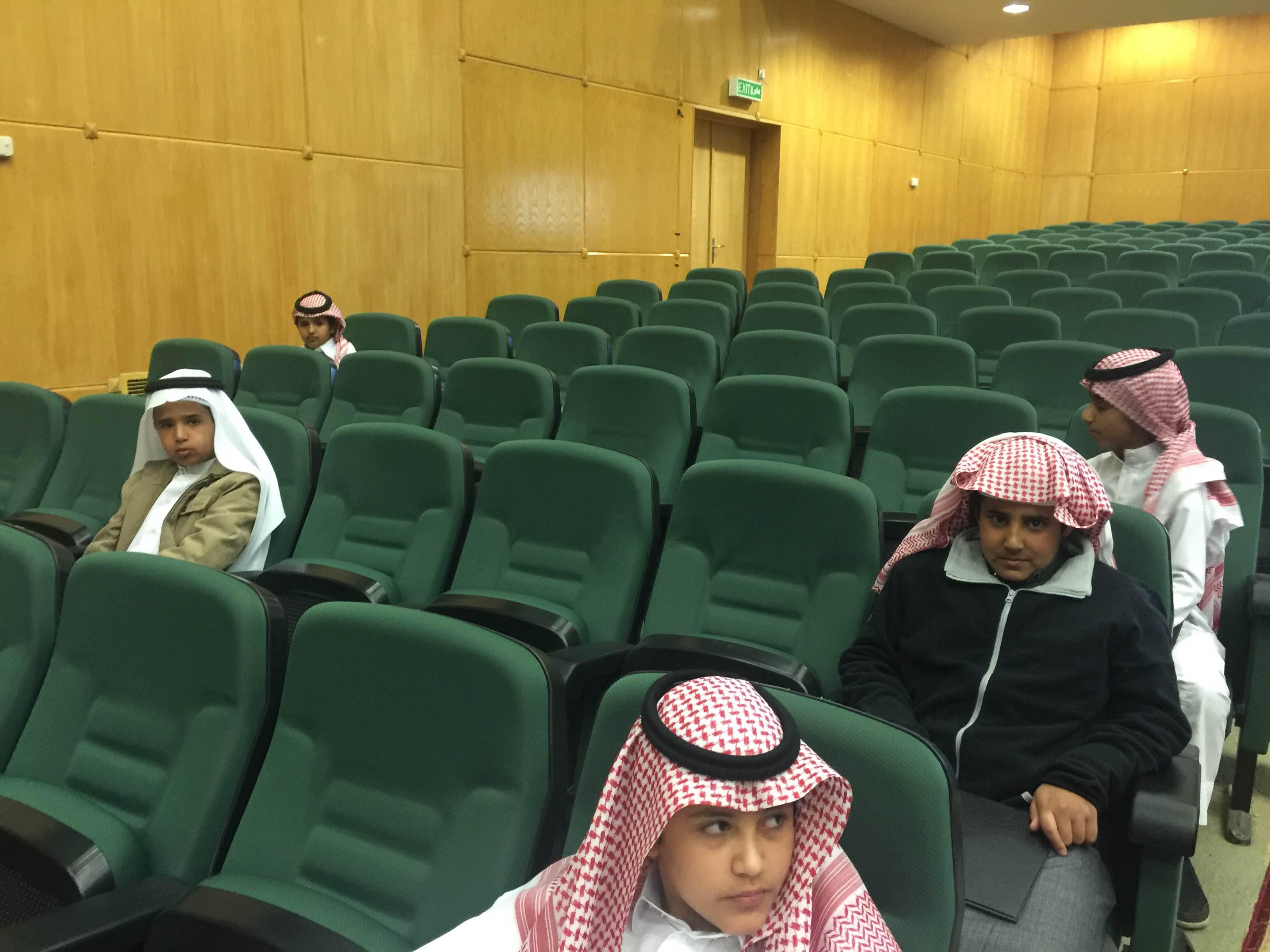 طلاب خبيب بن عدي الالبتدائية في تصفيات أولمبياد العلوم بـ #عسير (1)