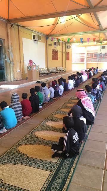 طلاب مدارس البكيرية يؤمن زملائهم ومعلميهم بصلاة الاستسقاء5