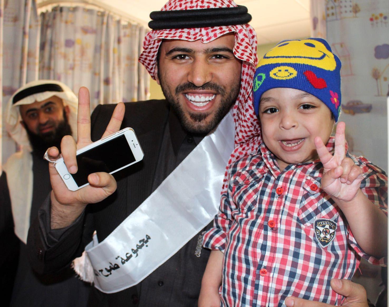 طموح التطوعية تزور مرضى السرطان بمدينة الملك فهد الطبية (1)