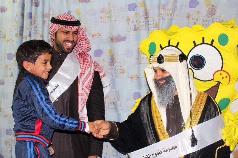 طموح التطوعية تزور مرضى السرطان بمدينة الملك فهد الطبية (2)