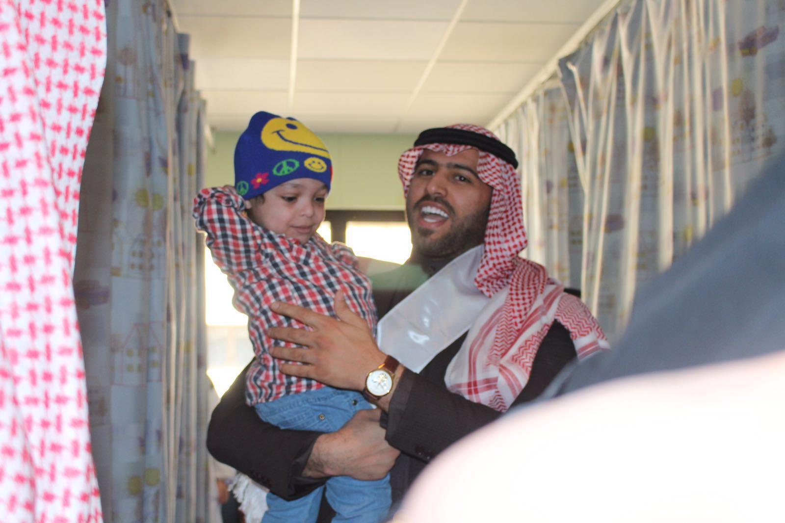 طموح التطوعية تزور مرضى السرطان بمدينة الملك فهد الطبية (4)