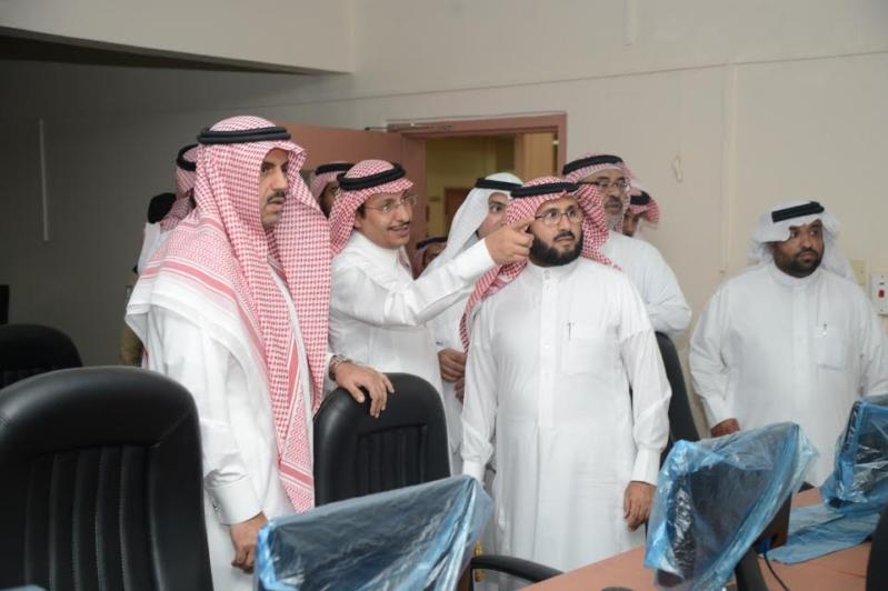 طوارئ في جامعة الملك خالد لتسريع نقل عدد من كليات البنات 1