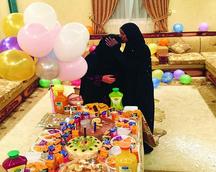 عائلة سعودية تودع خادمة اثيوبية