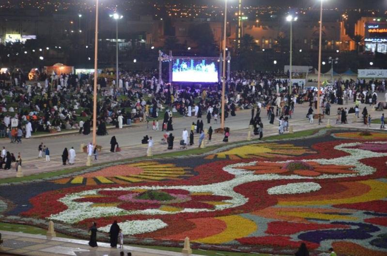عاصفة الحزم تتمازج مع سجادة الزهور في مهرجان ربيع الرياض (2)