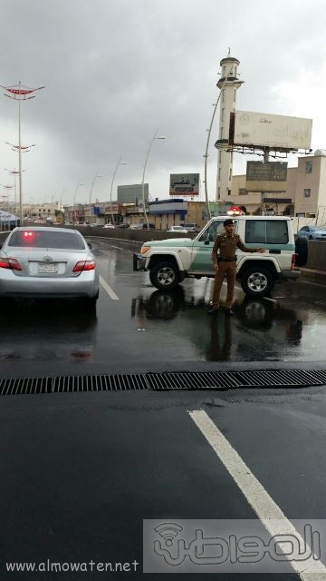 عدسة المواطن ترصد إغلاق نفق الغروي في #خميس_مشيط بسبب الأمطار (1)