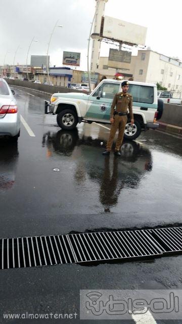 عدسة المواطن ترصد إغلاق نفق الغروي في #خميس_مشيط بسبب الأمطار (2)