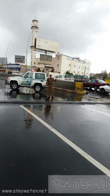 عدسة المواطن ترصد إغلاق نفق الغروي في #خميس_مشيط بسبب الأمطار (3)
