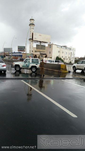 عدسة المواطن ترصد إغلاق نفق الغروي في #خميس_مشيط بسبب الأمطار (4)