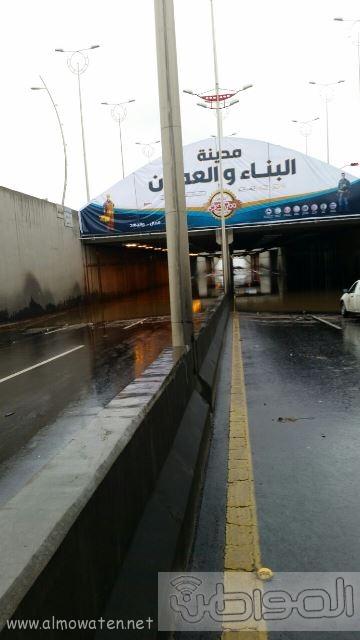 عدسة المواطن ترصد إغلاق نفق الغروي في #خميس_مشيط بسبب الأمطار (5)