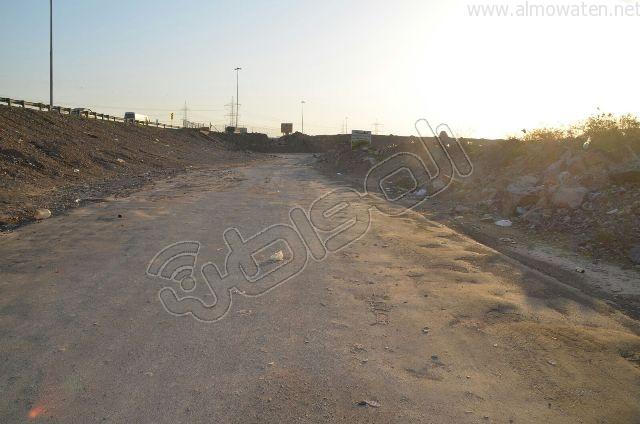 عدسة المواطن ترصد مقبرة بلا سور على طريق  جدة و مكة المكرمة (8)