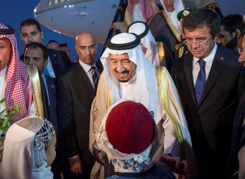 عدسة #بندر_الجلعود ترصد وصول #الملك_سلمان إلى #أنطاليا التركية (7)