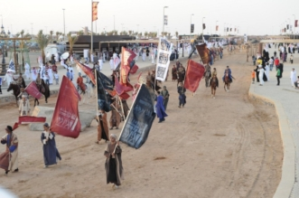 120 شاباً يستعرضون مهاراتهم المسرحية بجادة سوق عكاظ - المواطن