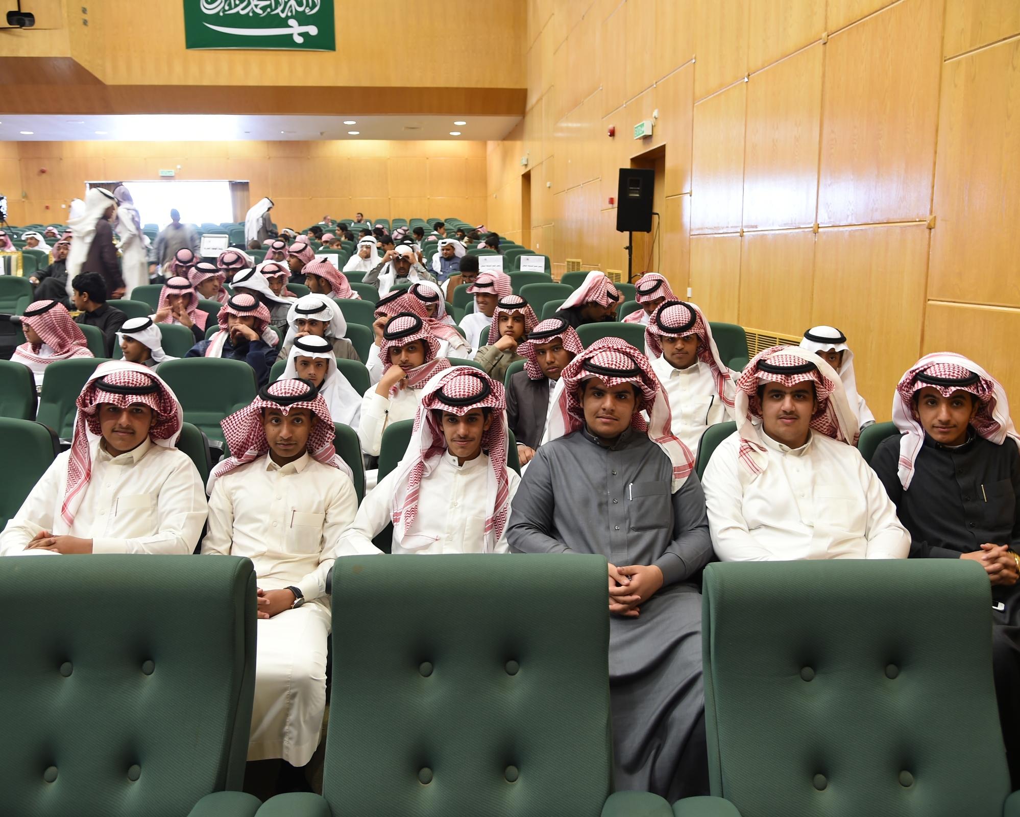 عروض مسرحية في انطلاق مهرجان المسرح المدرسي بعسير (2)