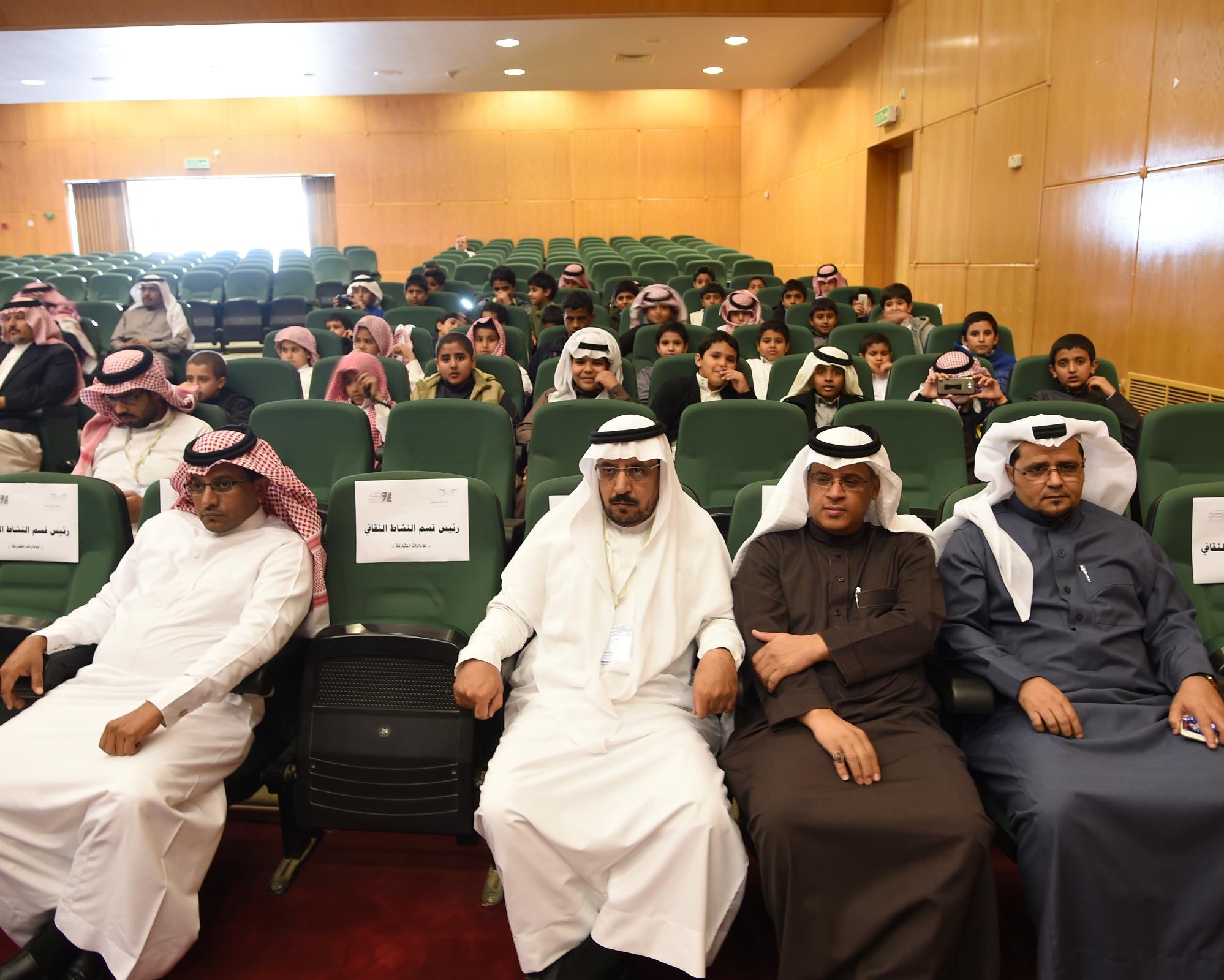 عروض مسرحية في انطلاق مهرجان المسرح المدرسي بعسير (3)